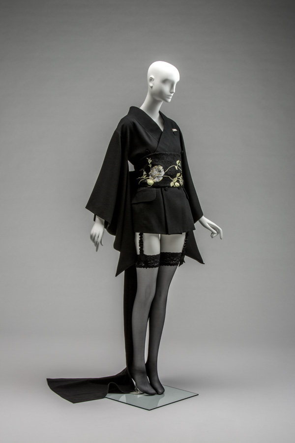 John Galliano / Ensemble / Autumn/Winter 1994 / Collection of the Kyoto Costume Institute / Photo by Takashi Hatakeyama