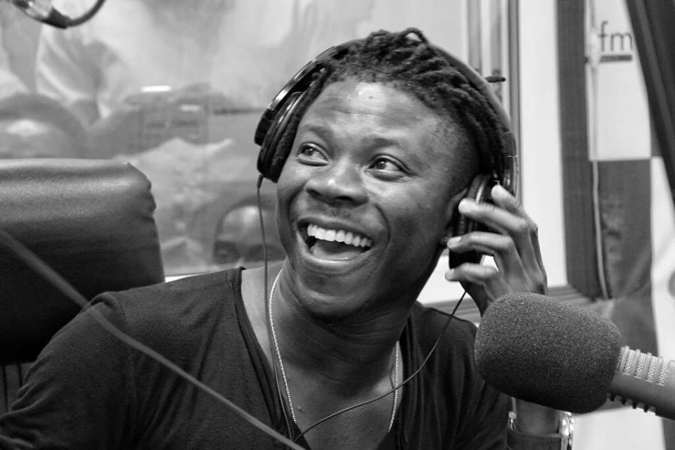 Deal with your relationship issues privately-Stonebwoy