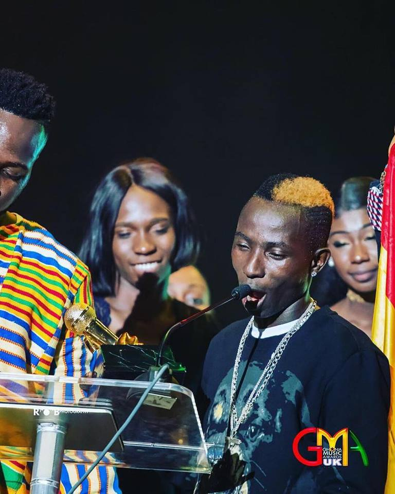 Patapaa stops mid-performance to pick up money thrown at him at Ghana Music Awards UK