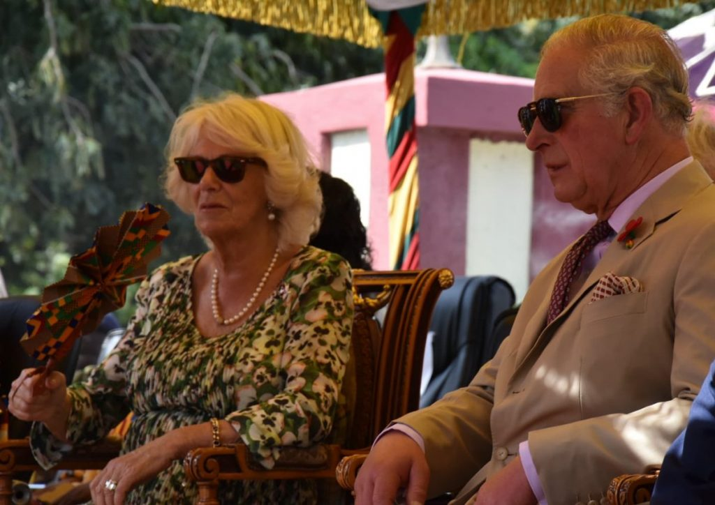 Their Royal Highnesses then attended the Durbar and cultural display.