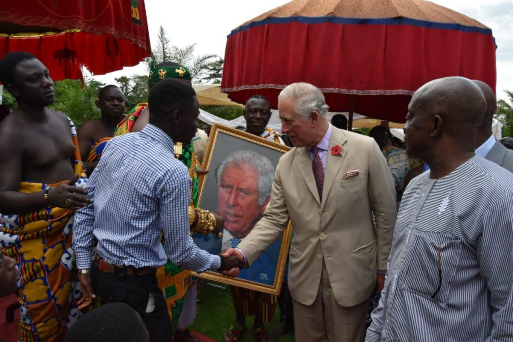 The Prince visited a cocoa farm in the area. First he was introduced to the Chief of Kona, Nana Konadu Yiadom Kumanin IV and was presented with this portrait, painted by a local artist